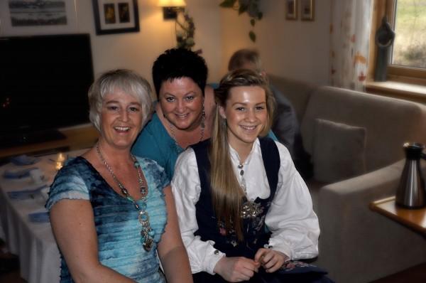 Liv-Berit, Ann-Sissel og Celine